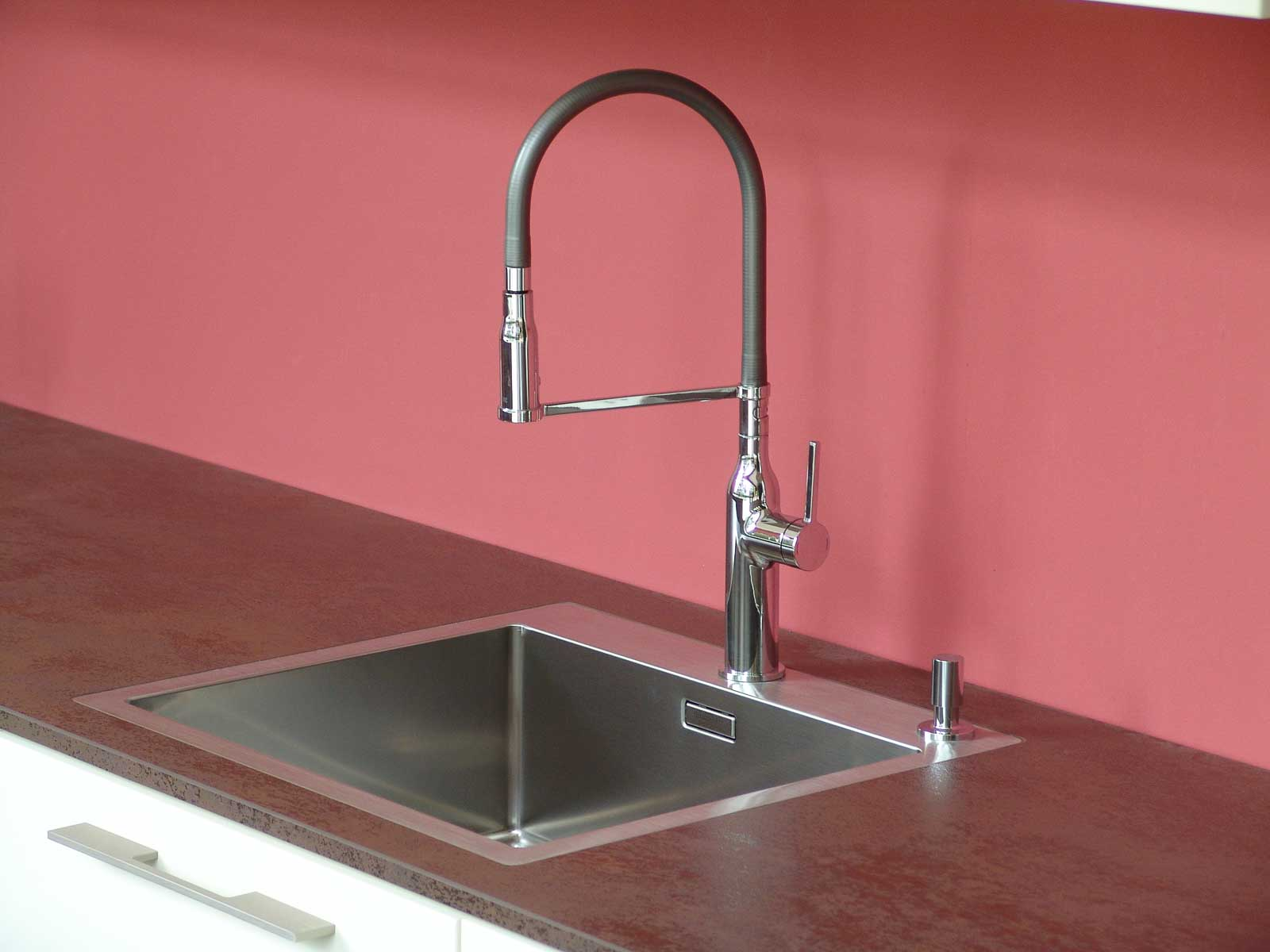 Jödicke Design - Showroom - Küche Wasserhahn